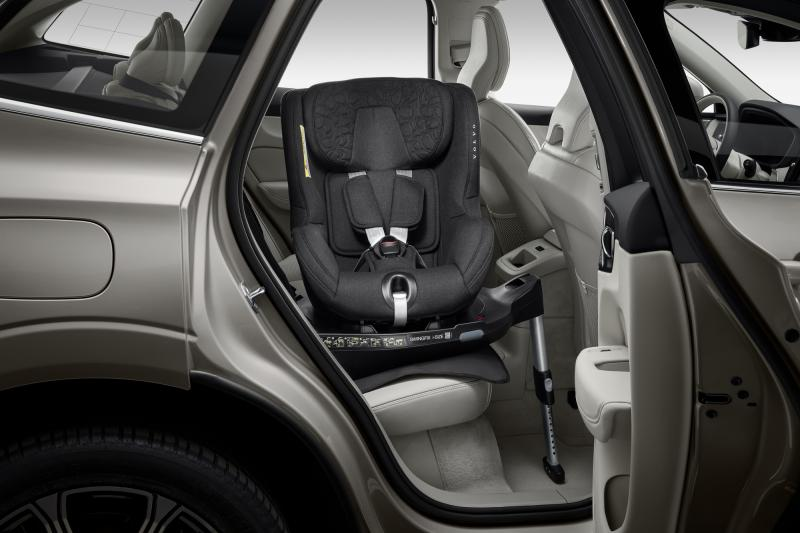 Easy access Rückwärts gewandter Kindersitz i-Size